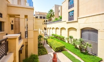 Tajer Residences, Old Town