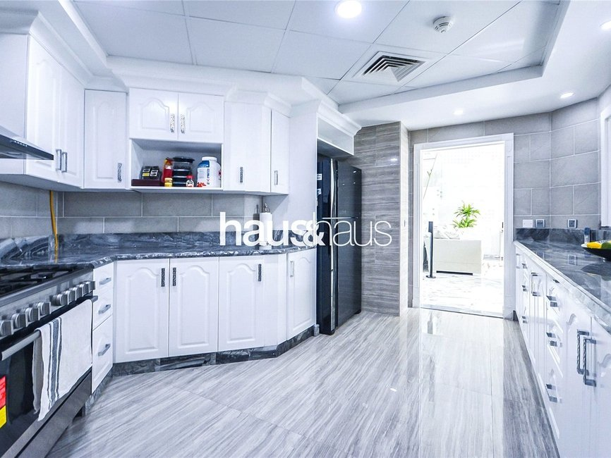 4 bedroom Apartment for sale in Al Dabas - view - 5