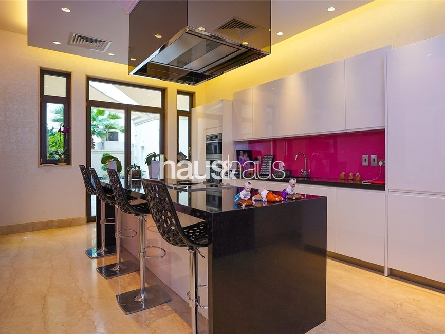 5 bedroom Villa for sale in Sector E - view - 10