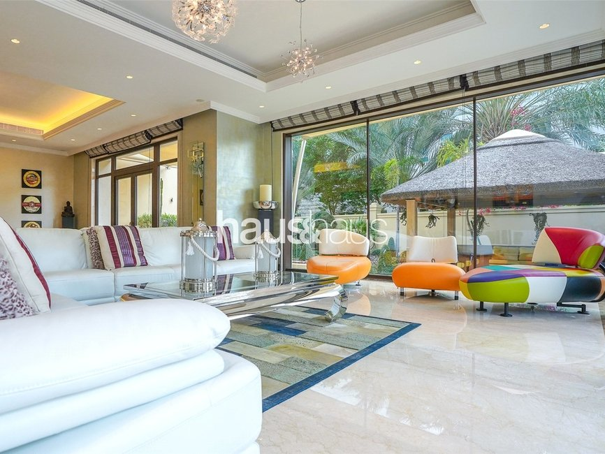 5 bedroom Villa for sale in Sector E - view - 1