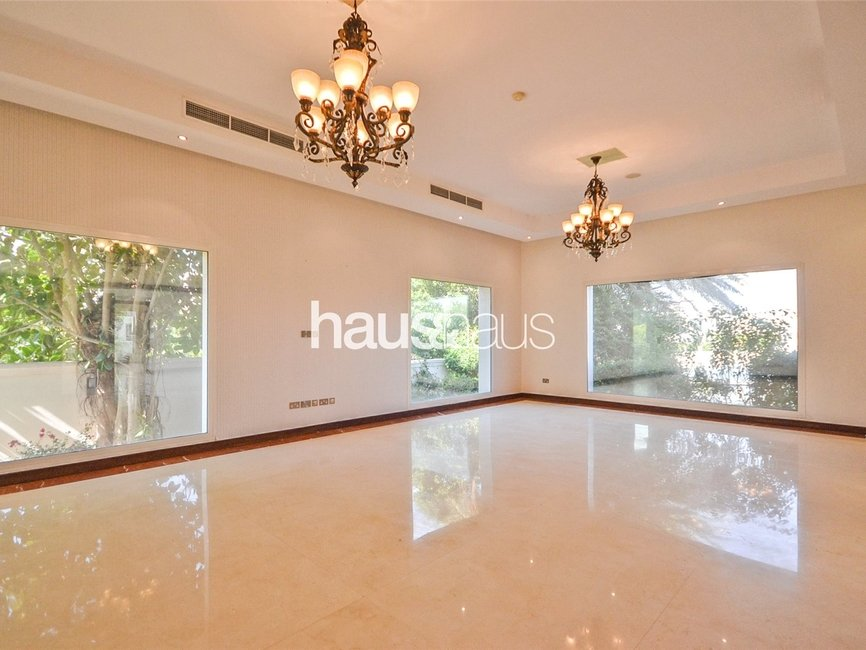 6 bedroom Villa for rent in Sector W - view - 4