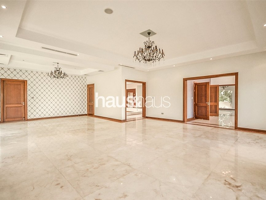 6 bedroom Villa for rent in Sector W - view - 2