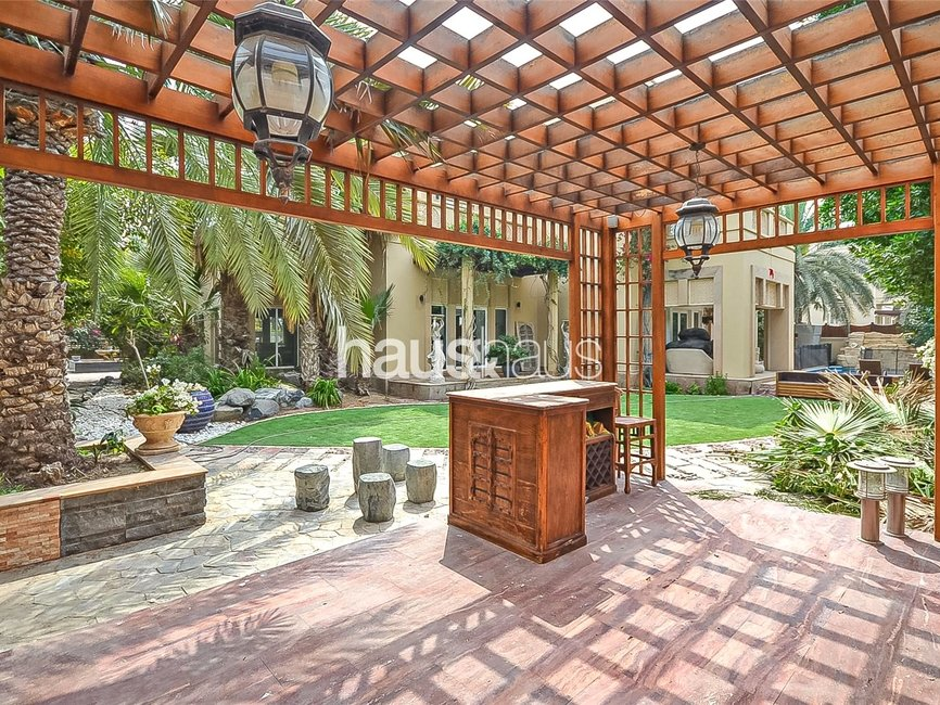 5 bedroom Villa for sale in Sector H - view - 4