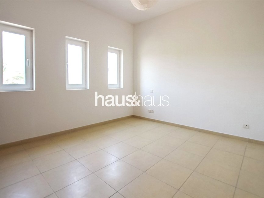 4 bedroom Villa for sale in Al Mahra - view - 8