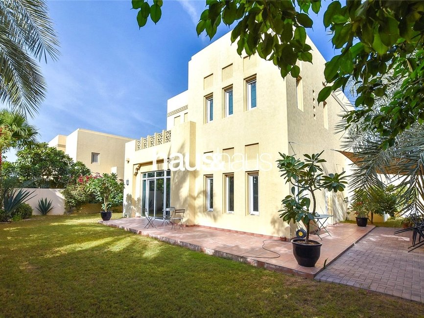 4 bedroom Villa for sale in Al Mahra - thumb - 0