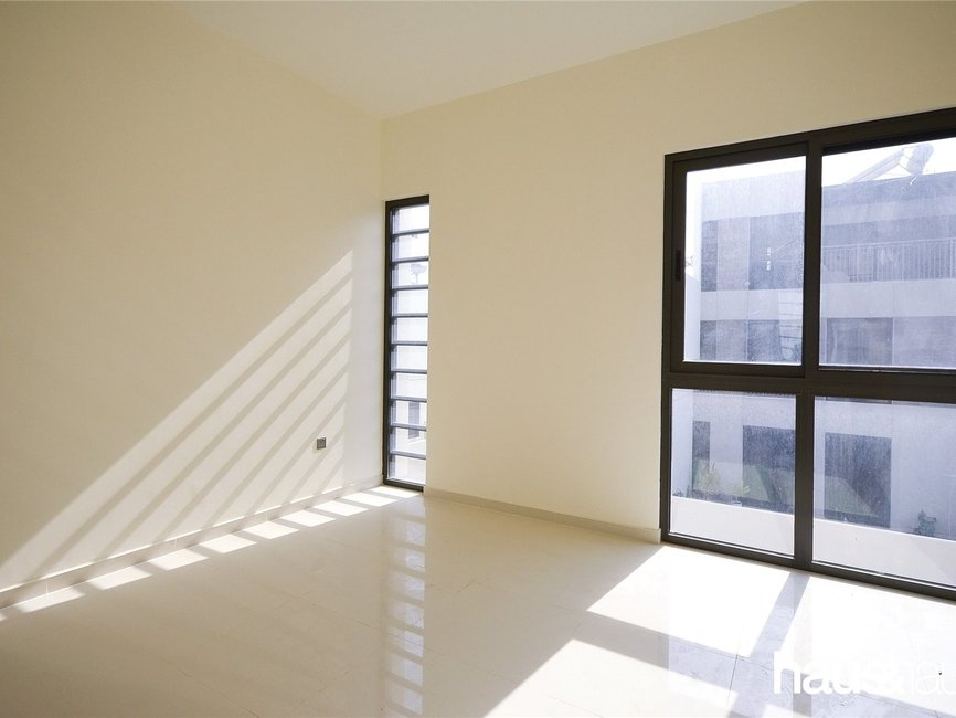 5 bedroom Townhouse for sale in Aurum Villas - view - 8