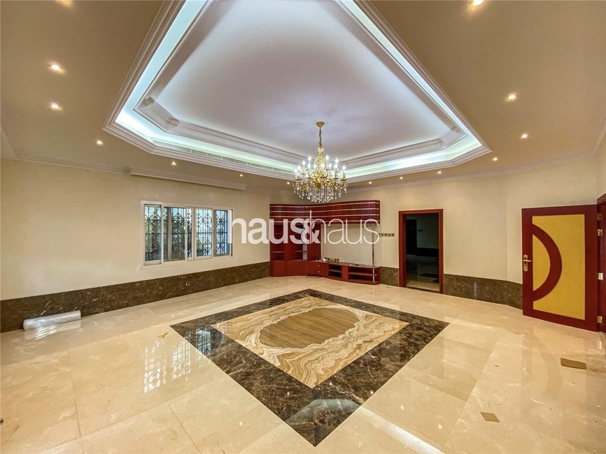7 bedroom Villa for rent in Sector P - view - 4
