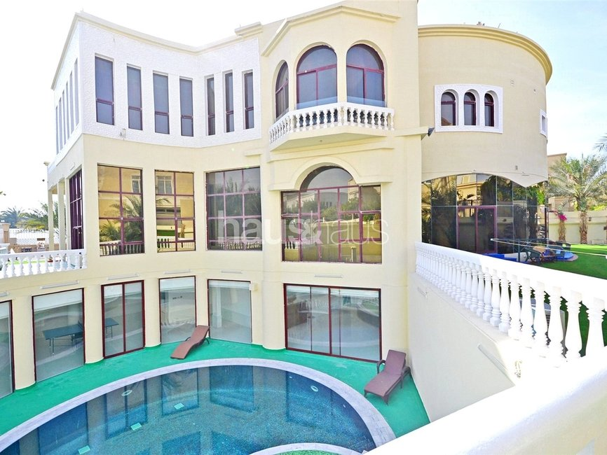 7 bedroom Villa for sale in Sector E - view - 1
