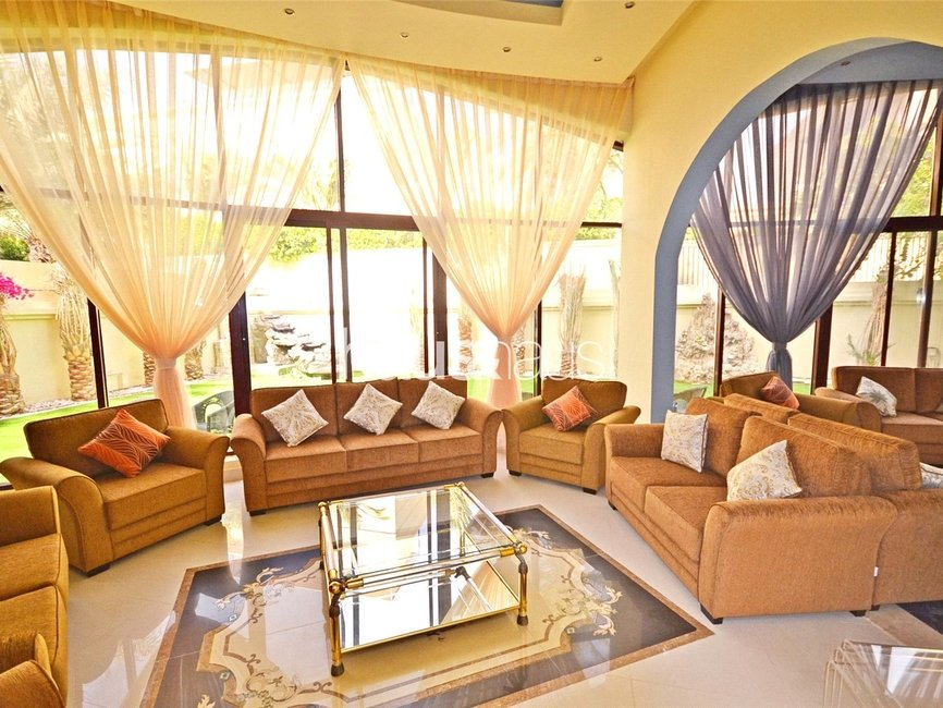 7 bedroom Villa for sale in Sector E - view - 8