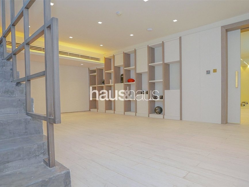 5 bedroom Villa for sale in Umm Suqeim 2 Villas - view - 17