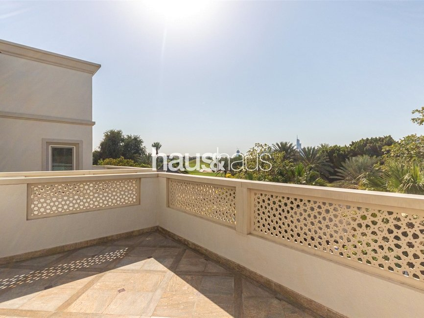 6 bedroom Villa for sale in Sector HT - view - 15