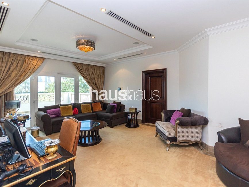 6 bedroom Villa for sale in Sector HT - view - 16