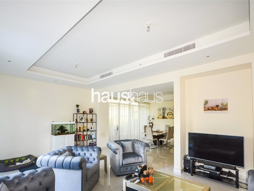 3 bedroom Townhouse for sale in Topanga - view - 2