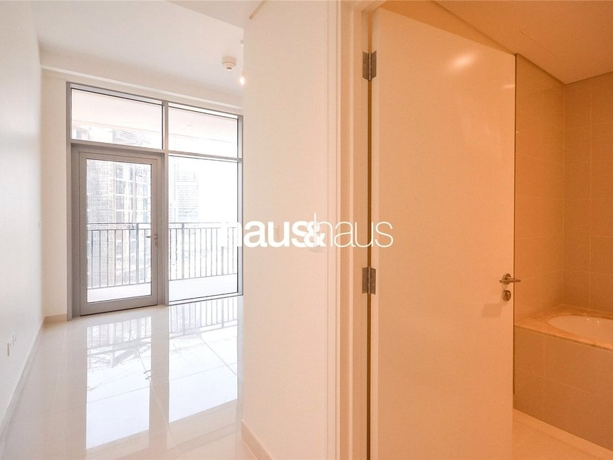 1 bedroom Apartment for sale in Boulevard Crescent 1 - view - 3