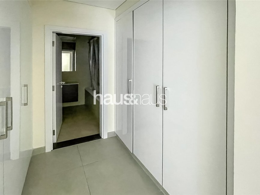2 bedroom Apartment for rent in Marina Arcade Tower - view - 8