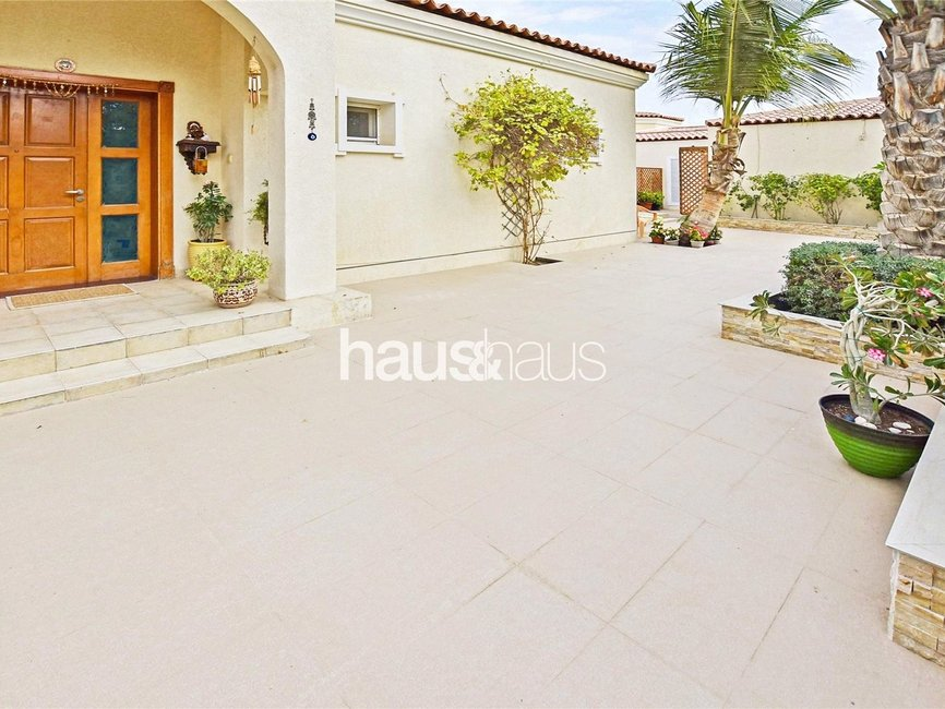 4 bedroom Villa for rent in Bungalow Area - view - 2