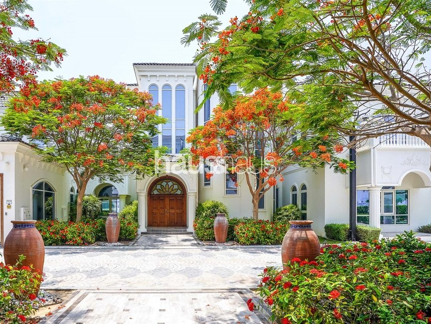 6 bedroom Villa for sale in Signature Villas Frond G - view - 1